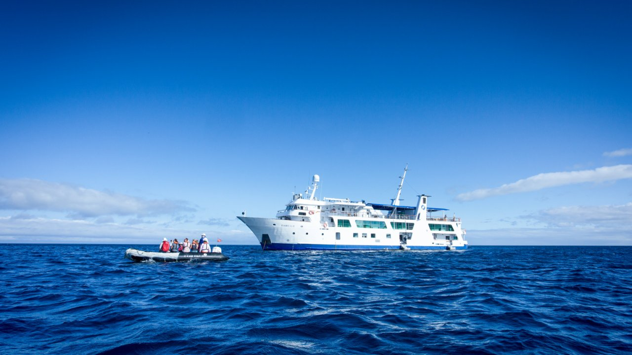 Isabella II anchored Galapagos Islands
