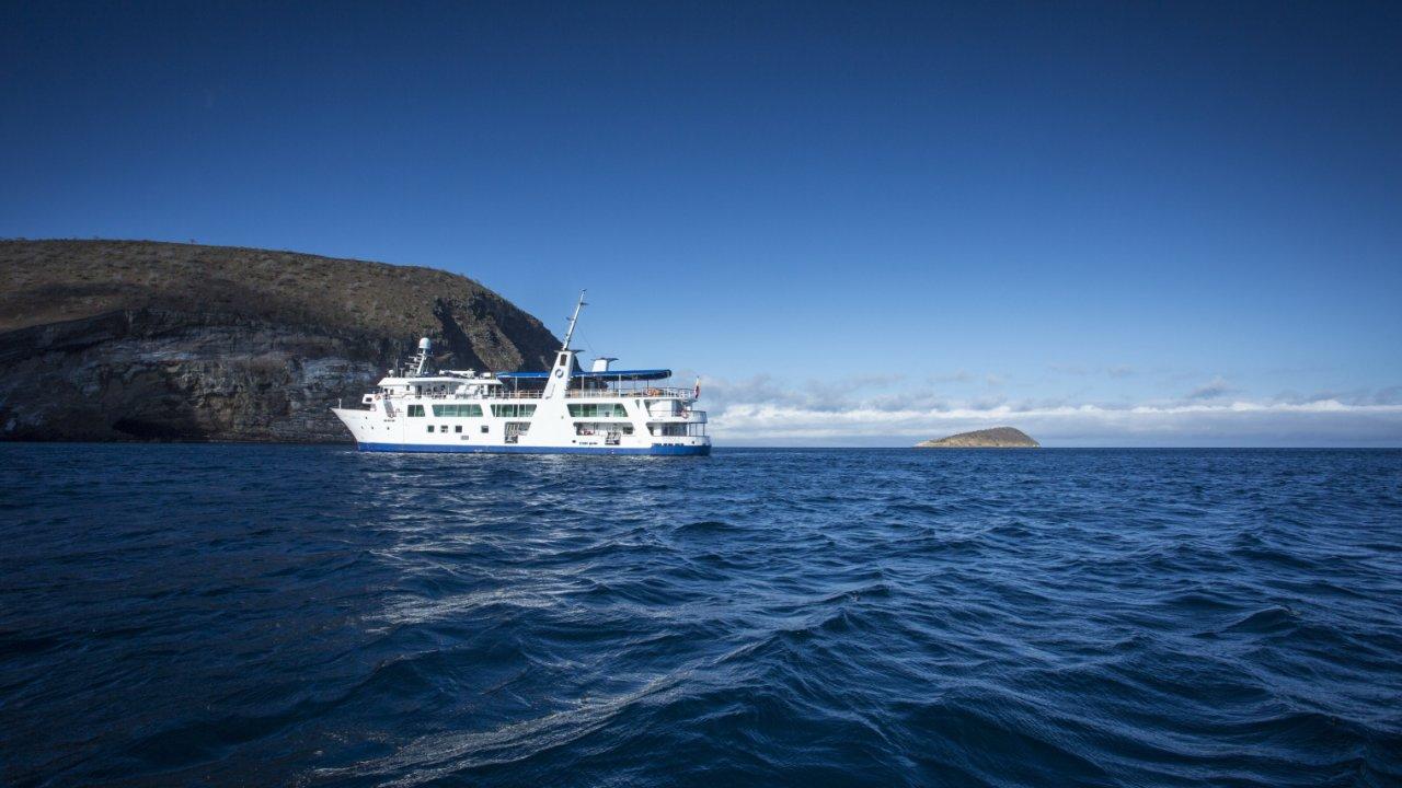 Isabella II ship galapagos