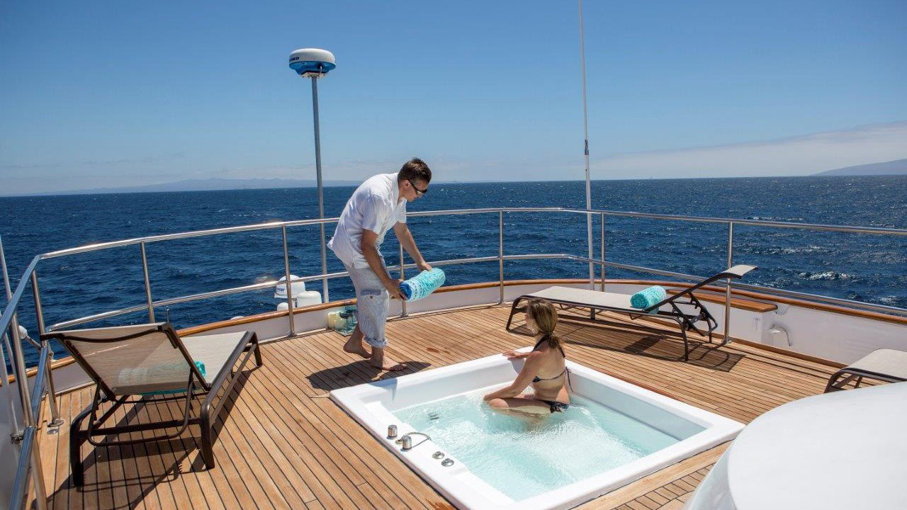 Jacuzzi deck MY Passion Yacht