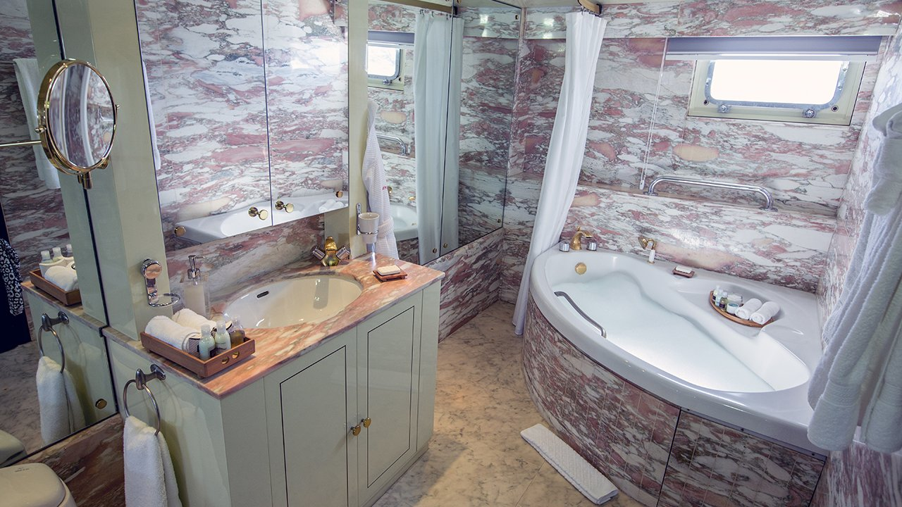 Private bathroom MY Passion Suite