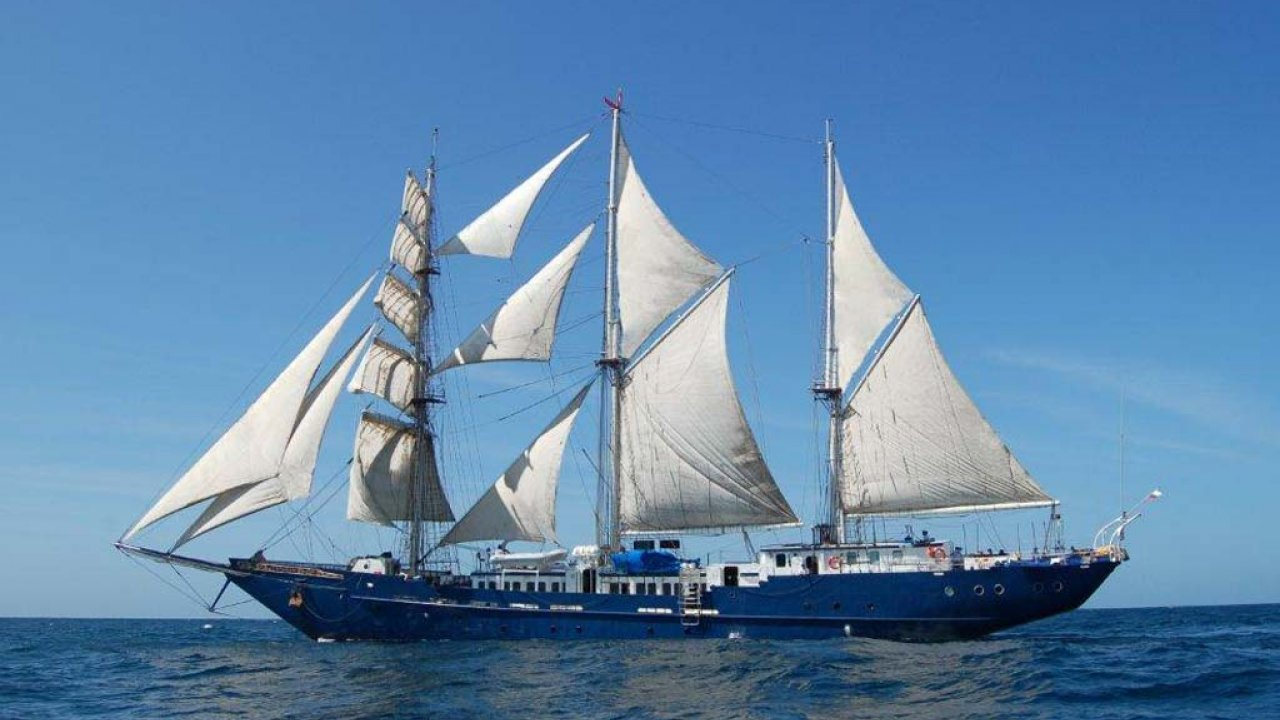 S/S Mary Anne Sail Boat
