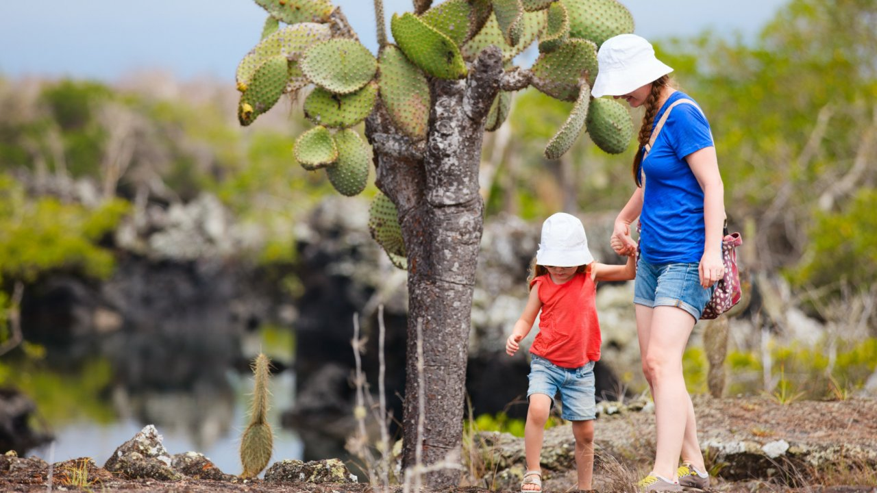 Family cruise in Galapagos