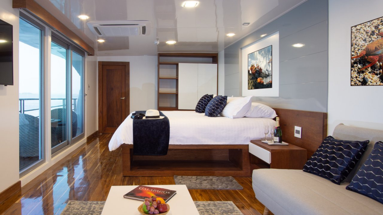 cabin on infinity yacht