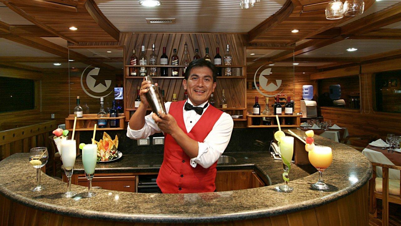 bartender on galaxy yacht